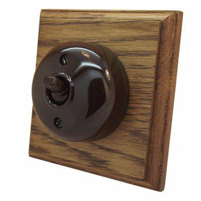 Vintage Dome (Bakelite) | Medium Oak  Sockets & Switches